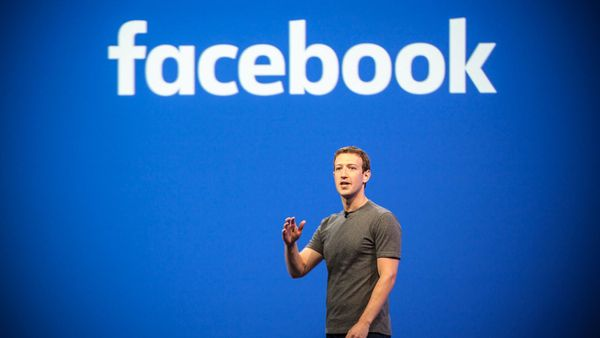 Facebook F8 Keynote: WhatsApp Enterprise, Revealing FB Dating, Augmented Reality and more